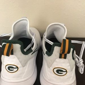 Green Bay Packers Nike Women's Free TR 8 Size 7.5